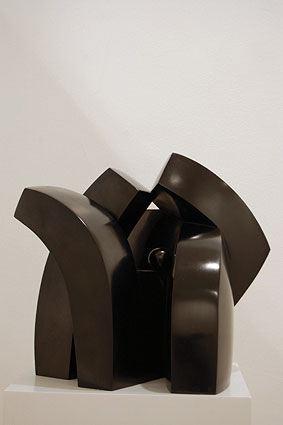CONTINUITE, 2006  Bronze, black platina  cm 42.5 x 39 x 29.5  Ed 1/6 - VARI 069