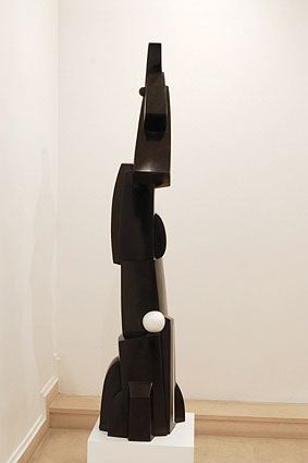 LA PERRUCHE, 2005  Bronze, black patina and white colour  cm 184 x 39 x 31.5  Ed 1/3 - VARI 070