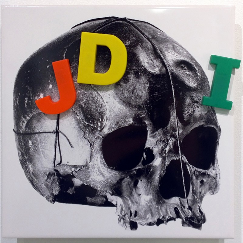 Jean-Pierre RaynaudLine (JDI), 1993-2010Serigraphy on ceramics + objectcm 20 x 20JPR_002
