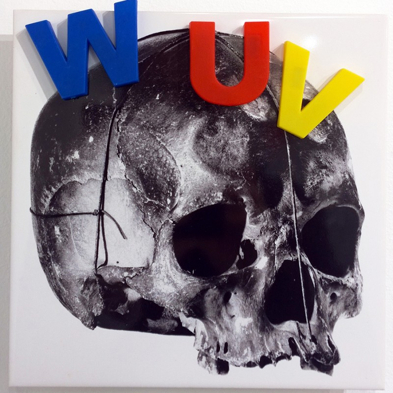 Jean-Pierre RaynaudLine (WUV), 1993-2010Serigraphy on ceramics + objectcm 20 x 20JPR_008